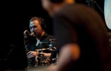 شا (آشتفان هاسله باخر) نوازنده ساکسوفن از گروه رونین