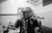 امتحان کردن یک ماسک در پلیموث، ماساچوست، ۳۱ اکتبر ۱۹۷۵