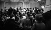 ماه می سال 1970 اجرا به همراه گروهی از بینندگان. Photograph: K & K Ulf Kruger OHG