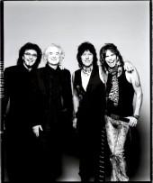 تونی لُمی، جیمی پیج، جف بک و استیون تیلور Tony Iommi, Jimmy Page, Jeff Beck, Steven Tyler در مراسم The Classic Rock awards